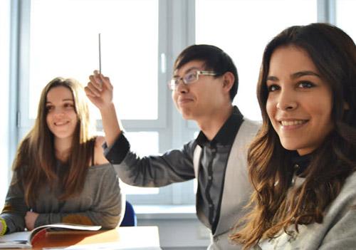 Firmen Onlinekurse in Sprachschule Aktiv
