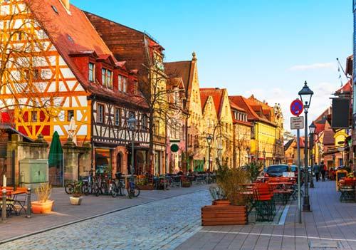 Deutsch und Fremdsprachen in Sprachschule Aktiv in Fürth